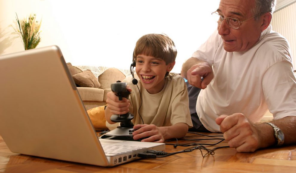 Top 5 Internet Activities for Older People - Video Games