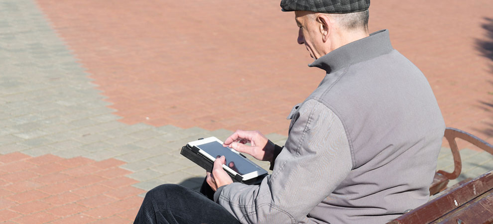5 Benefits of using Computer Tablets for Older People